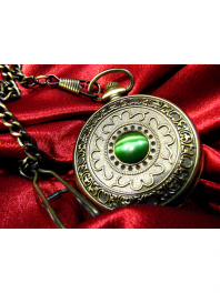 MECANICAL POCKET WATCH WITH EMERALD PEARL