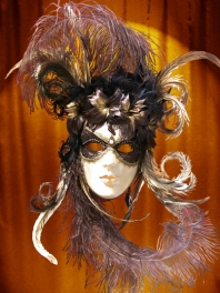 MASK VENICE FACE SPATOLATO DECORATED FEATHERS