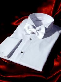 Chemise 1900 Cérémonie Blanche à PLASTRON et à Poignets REVERS en piqué de coton.