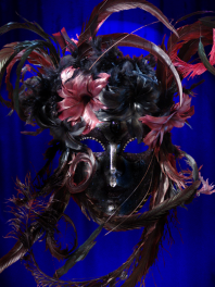 MASK VENICE FACE DECORATED WITH FEATHERS